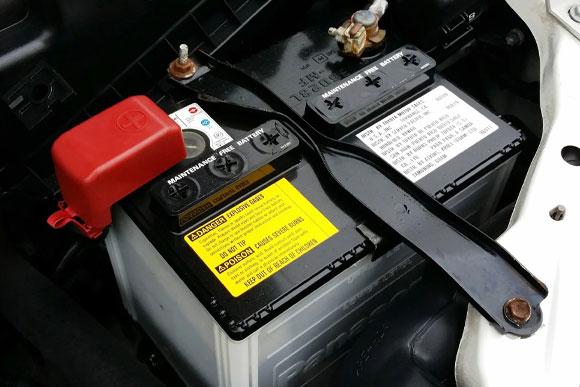 แบตเตอรี่ - หน้าร้อนนี้ สมาชิก Land Rover อย่าลืมตรวจเช็กสุขภาพรถด้วยนะครับ